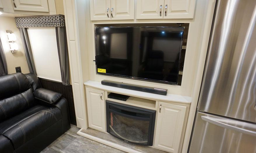 luxe elite luxury fifth wheel entertainment center