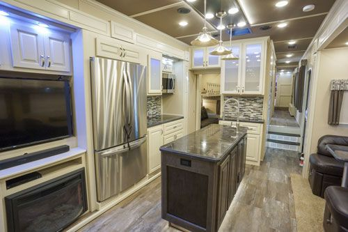 luxury fifth wheel 42MD mid den