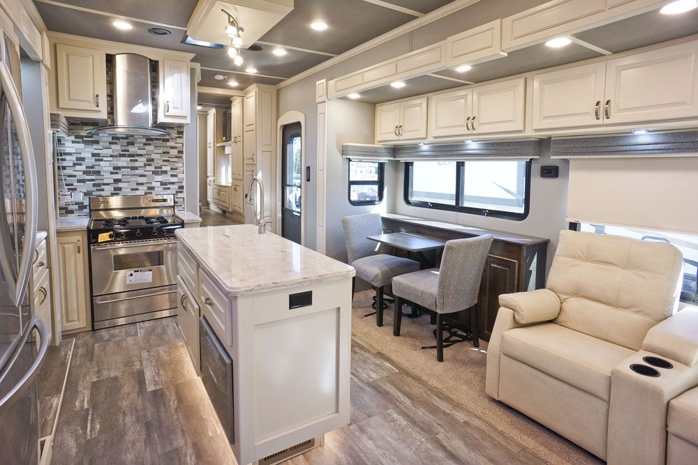 Luxe Elite Best Built Best Quality 5th Wheel