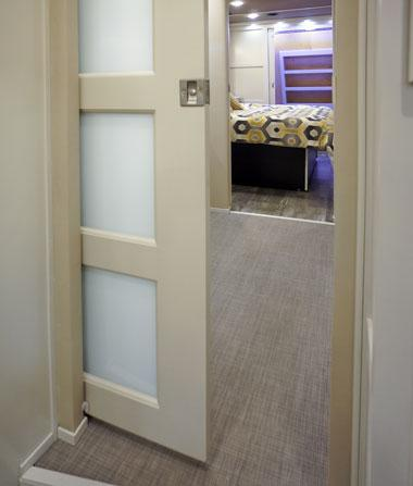 luxe luxury fifth wheel bathroom pocket door