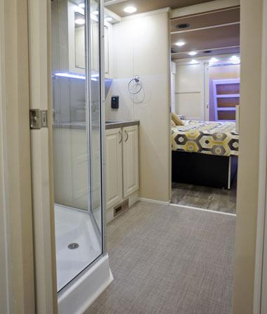 luxe luxury fifth wheel bathroom
