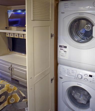 luxe luxury fifth wheel washer dryer