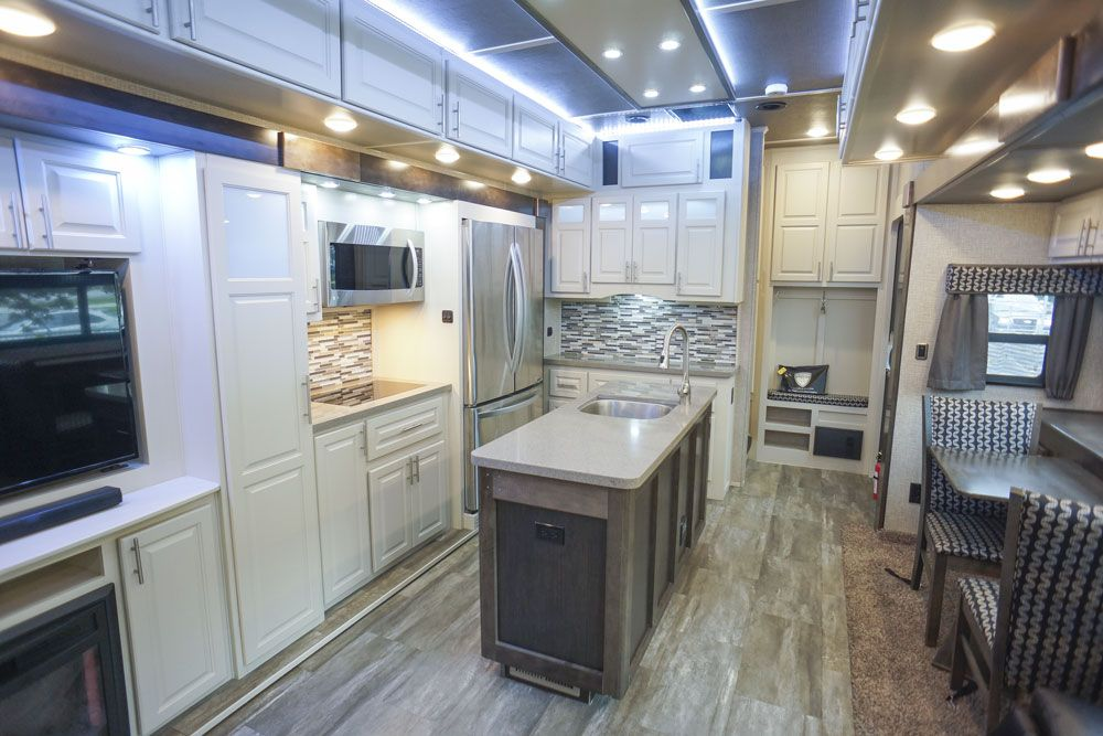 luxury fifth wheel