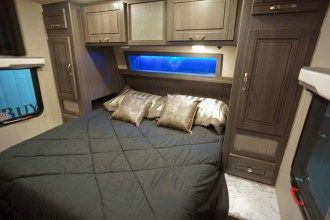 20377toyhauler_master_bedroom
