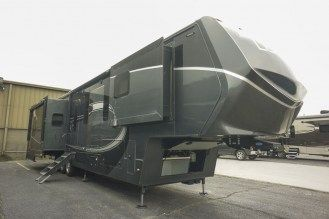 Luxe Elite 42MD luxury fifth wheel exterior