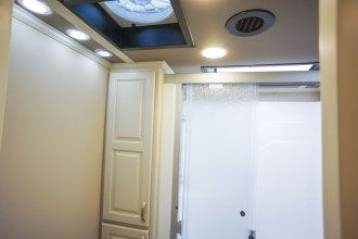 Luxe Elite 42MD luxury fifth wheel shower