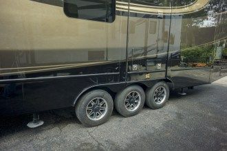 front living luxury fifth wheel axles