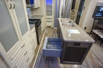 luxury fifth wheel dishwasher