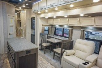 luxury 5th wheel dinette