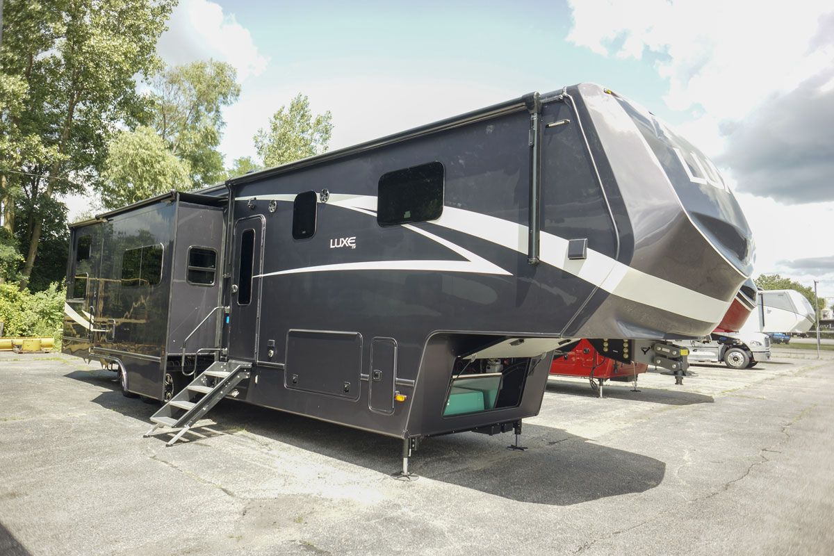 2021 Toy Hauler Fifth Wheel 44FB Exterior