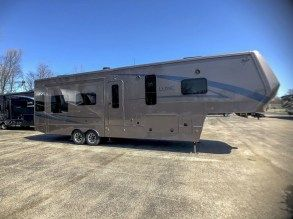 luxury fifth wheel for sale