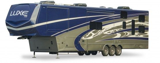 luxe_luxury_toy_hauler_fifth_wheel_exterior1