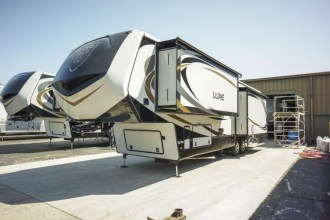 luxury full time fifth wheel exterior