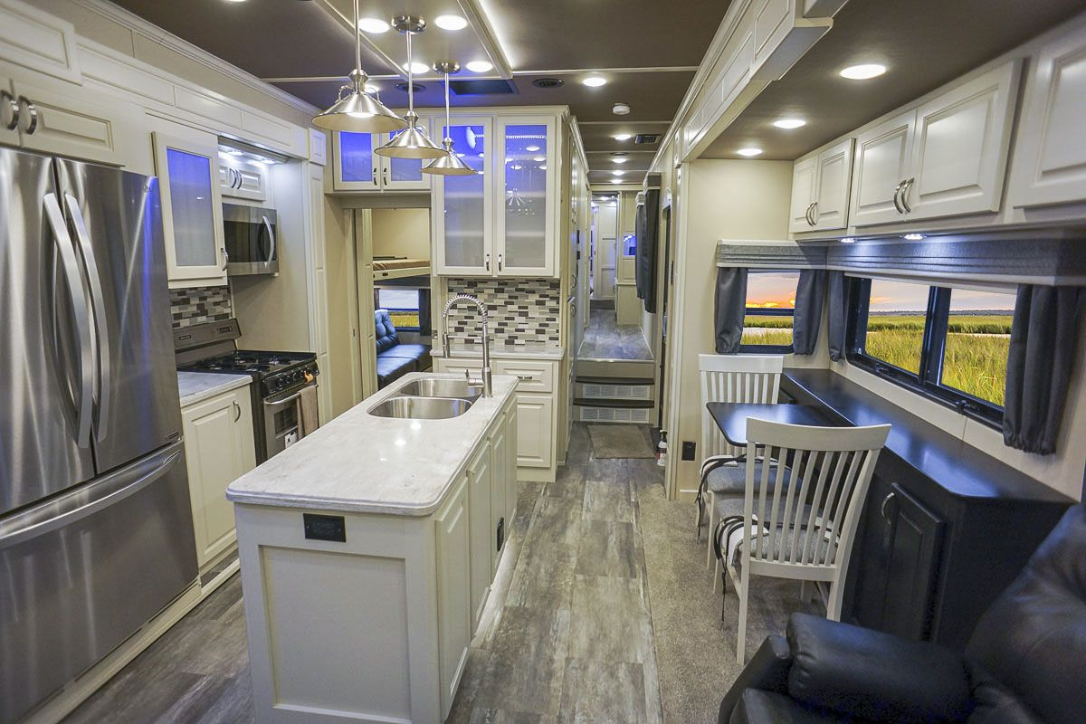 Luxury fifth wheel 42RL